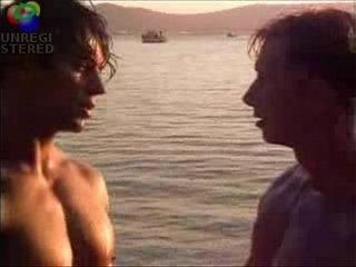 muscles meet at beach
