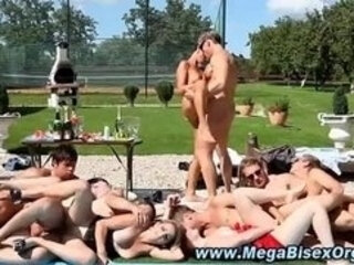 Hot bi orgy nastiness heats up