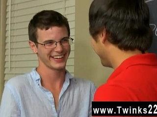 Gay orgy Timo Garrett gives his teacher Julian Smiles a classic apple