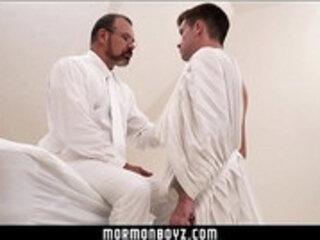 Beefy daddy bear dominates young Mormon boy